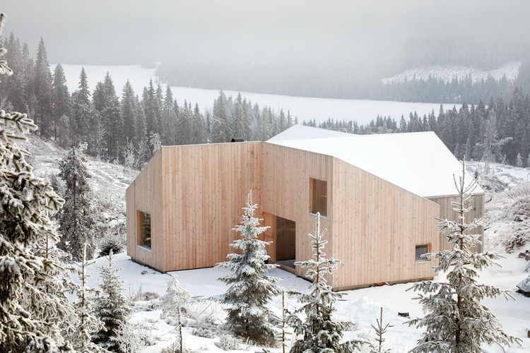 Mylla Hytte / Mork-Ulnes Architects , © Bruce Damonte