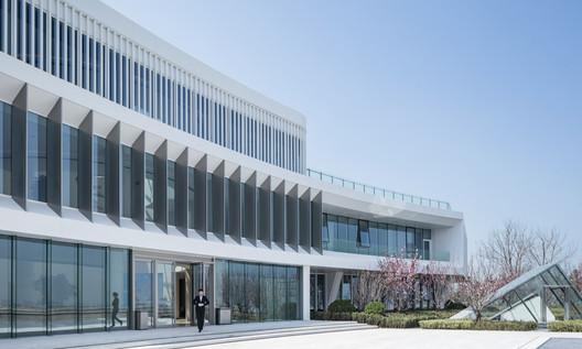 Building Detail. Image © Weiqi Jin