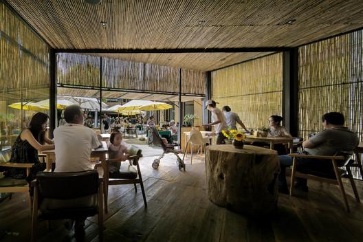 Chaimiduo Farm Restaurant and Bazaar / Zhao Yang. Image © Wang Pengfei, Courtesy Pavilion of China at the 16th Venice Architecture Exhibition, La Biennale di Venezia