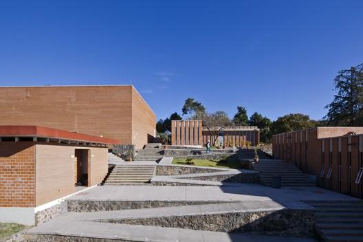 Facultad de Artes, UAEM / Rec Arquitectura