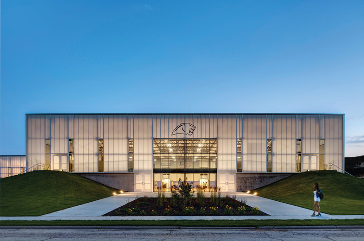 Cascade High School Expansion / Neumann Monson Architects, © Integrated Studio
