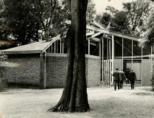 Canada Pavilion 1957 or 1958. Photo: NGC