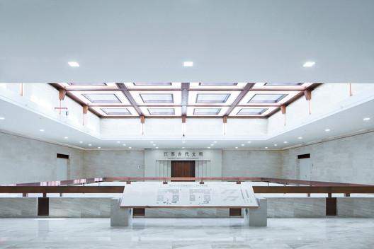 Atrium of gallery of history. Image Courtesy of CCTN Design