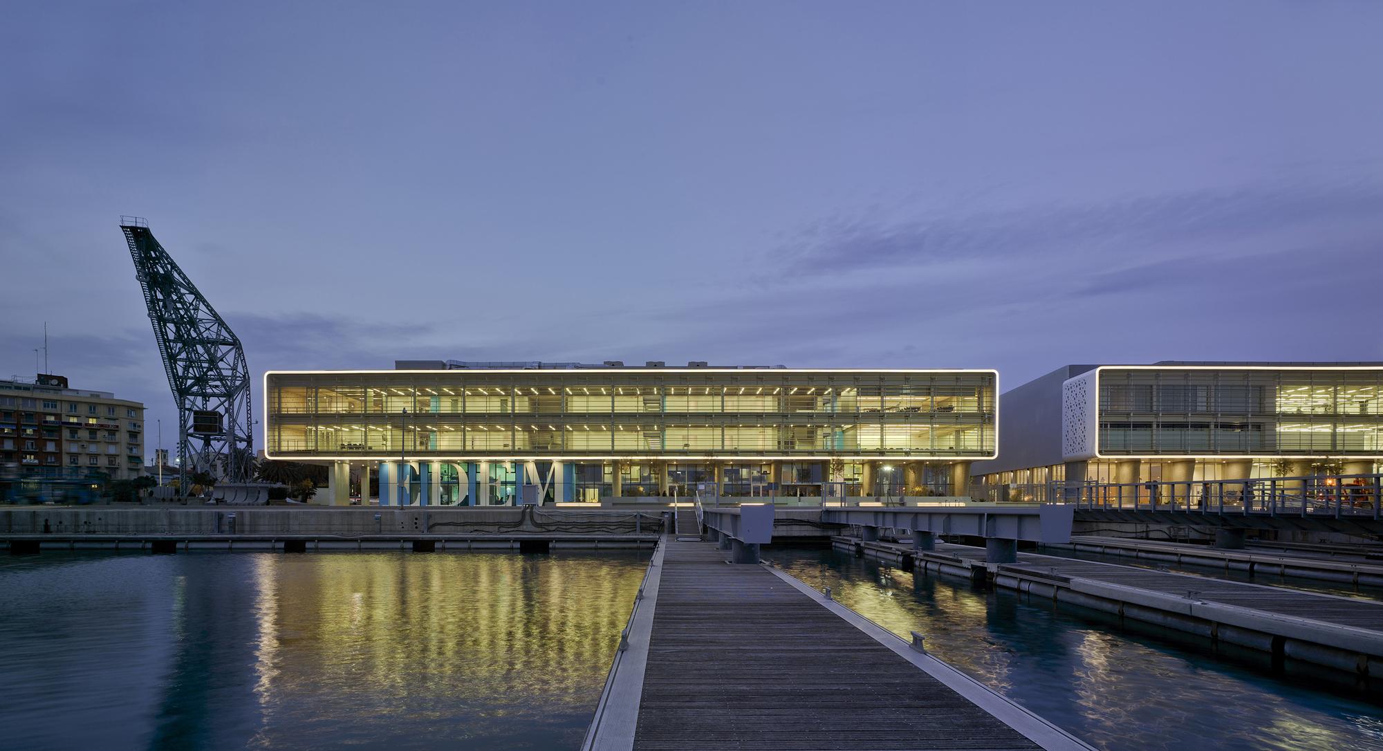 Gallery of marina de empresas erre arquitectura 19 for Empresas de arquitectura