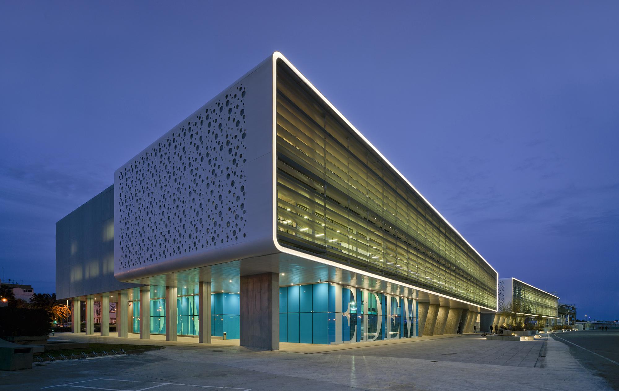 Galer A De Marina De Empresas Erre Arquitectura 24