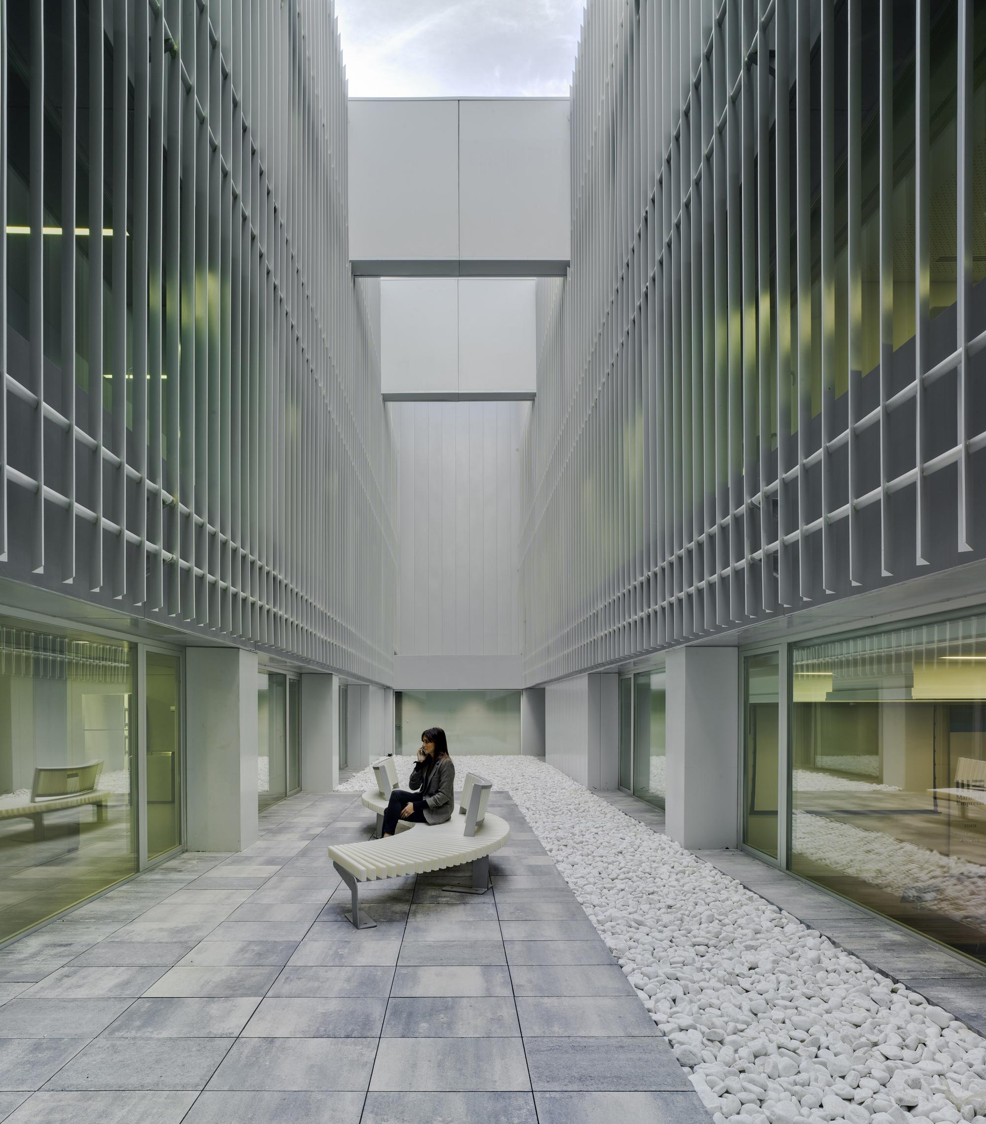 Marina de empresas erre arquitectura archdaily for Empresas de arquitectura