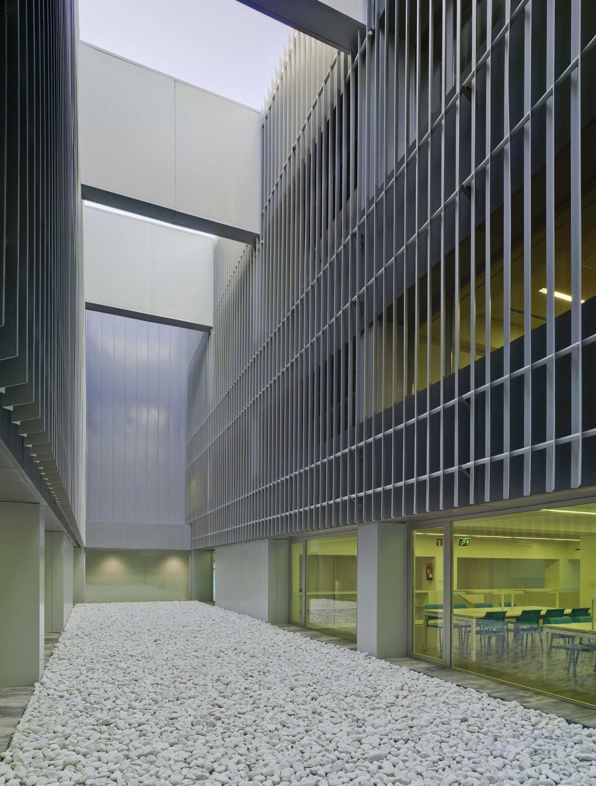 Galer a de marina de empresas erre arquitectura 19 for Empresas de arquitectura