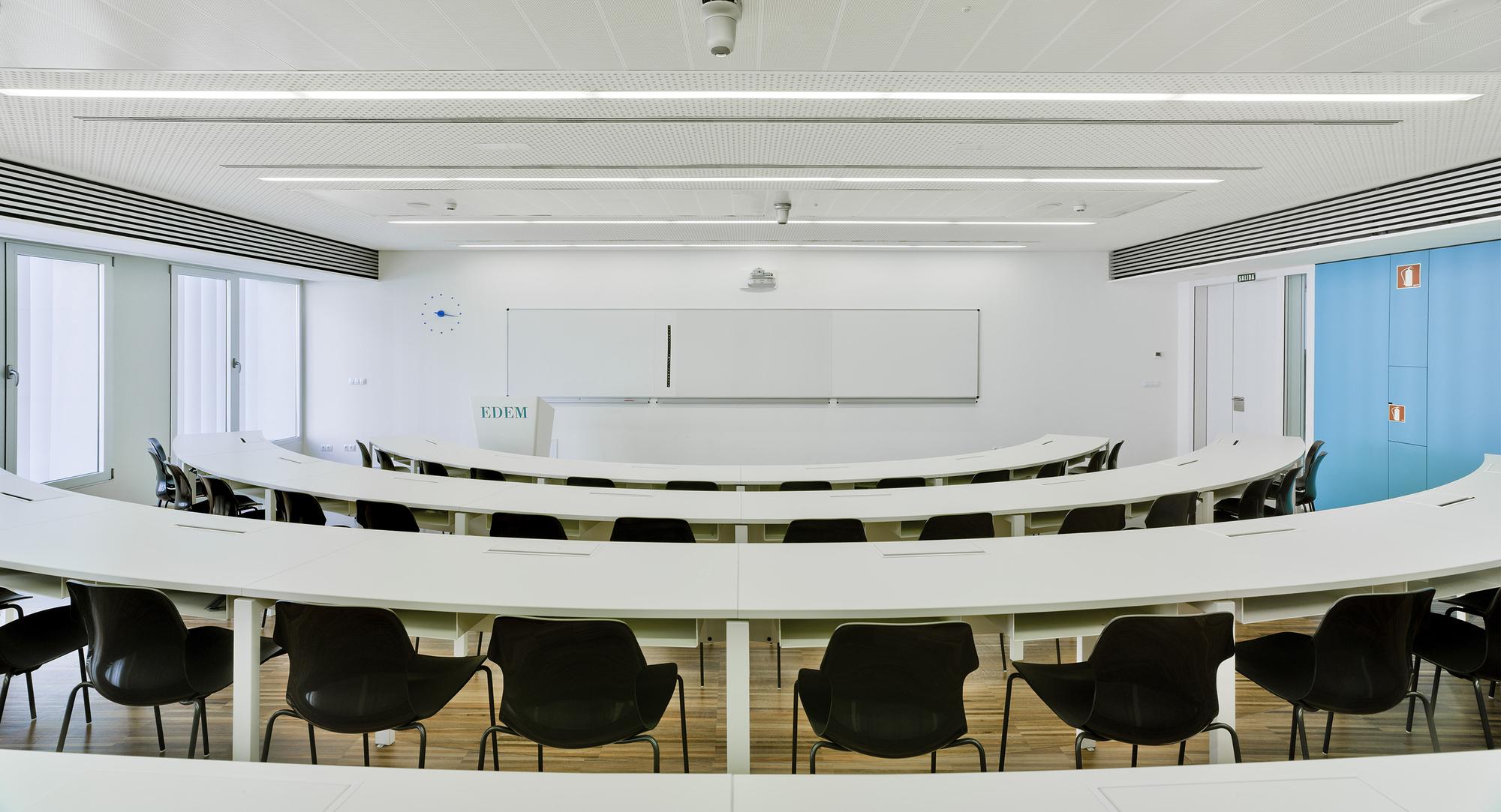 Gallery of marina de empresas erre arquitectura 12 for Empresas de arquitectura
