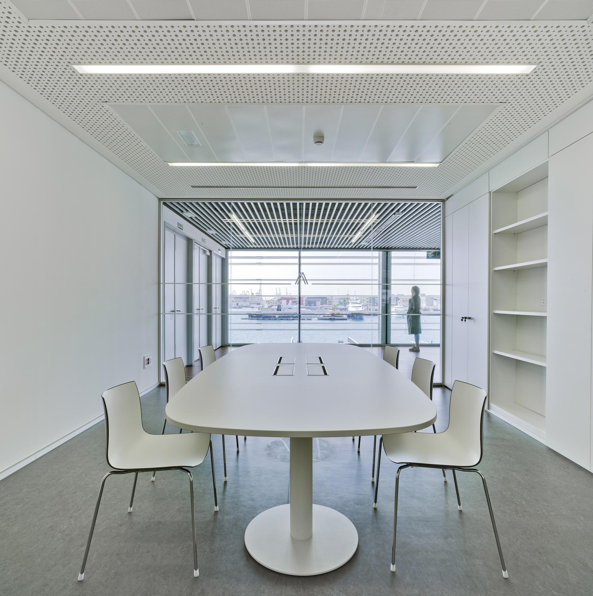 Gallery of marina de empresas erre arquitectura 13 for Empresas de arquitectura