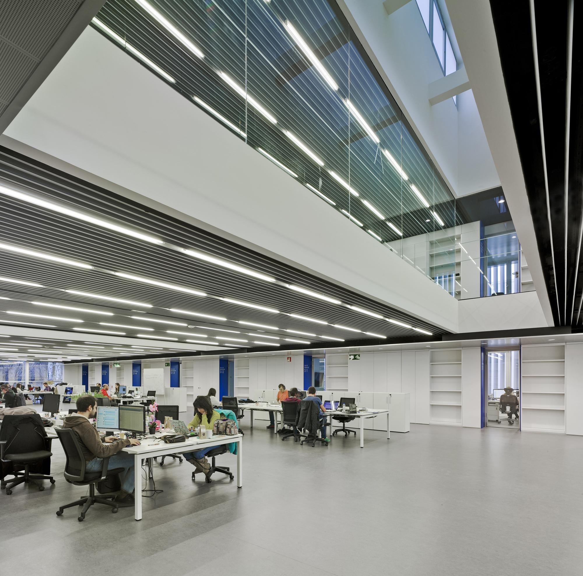 Gallery of marina de empresas erre arquitectura 24 for Empresas de arquitectura