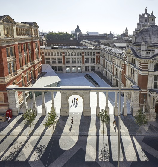 Victoria & Albert Museum Exhibition Road Quarter / AL_A. Image © Hufton Crow