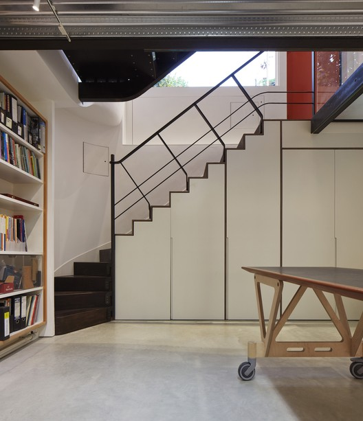 Knox Bhaven Studio / Knox Bhavan Architects. Image © Dennis Gilbert