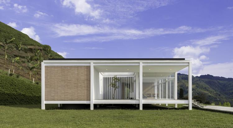 House in Villamaría / Angela Alvarez, Cortesía de Angela Alvarez