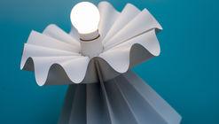 """Mitsue Kido desafía la técnica convencional del origami con su nueva colección """"Curved/Line"""""""
