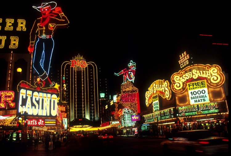 Love in Las Vegas: 99% Invisible Illuminates Robert Venturi and Denise Scott Brown's Postmodern Romance, © <a href='https://www.publicdomainpictures.net/en/view-image.php?image=223416&picture=las-vegas-at-night'>Public Domain user Jean Beaufort</a> licensed under <a href='https://creativecommons.org/publicdomain/zero/1.0/'>CC0 Public Domain</a>