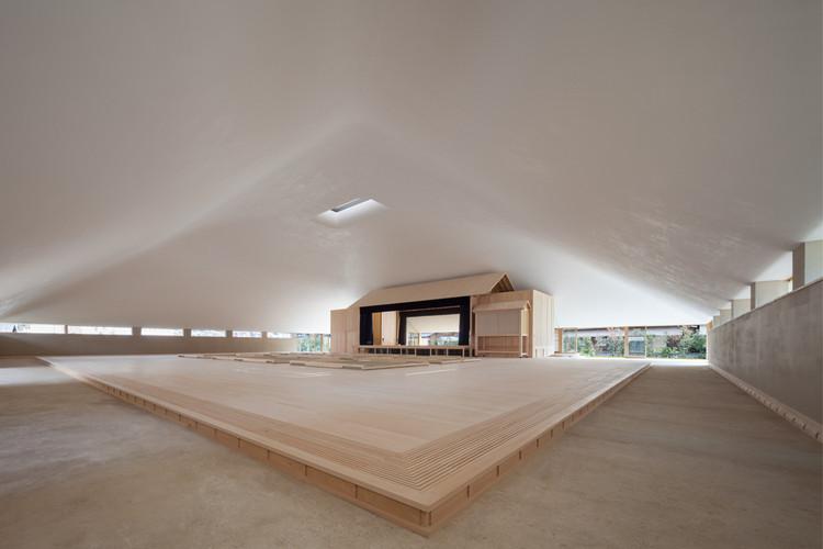 Naoshima Hall. Image © Shigeo Ogawa