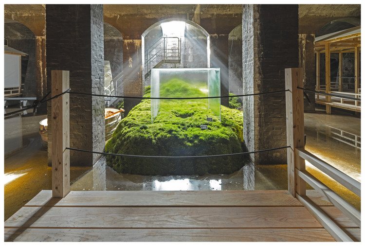"Hiroshi Sambuichi Wins 2018 Daylight Award for His ""Timeless, Fluid"" Treatment of Light , The Water - Installation in the Cisterns of Frederiksberg. Image © Jens Markus Lindhe"