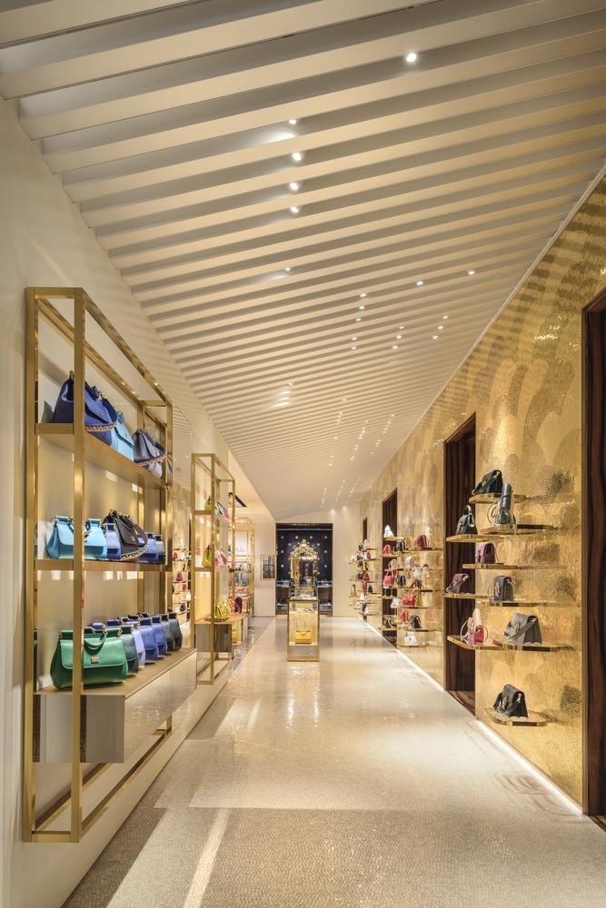Conoce los proyectos ganadores de la final mundial Prix Versailles 2018, Dolce   Gabbana s Venice fa961e7401