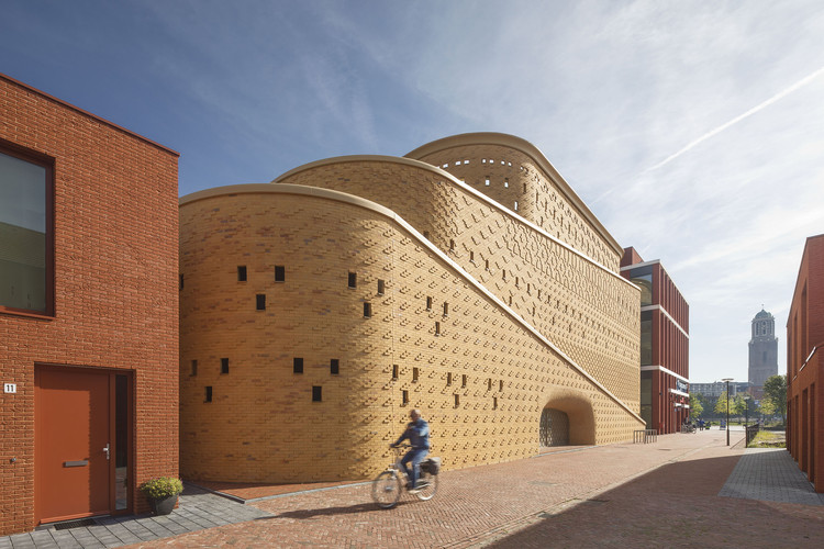 Car Park Katwolderplein / Dok architects, © Arjen Schmitz