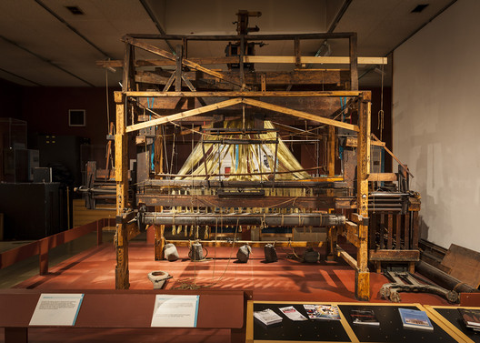 Loom exhibit at the Paisley Museum. Image Courtesy of Paisley Museum
