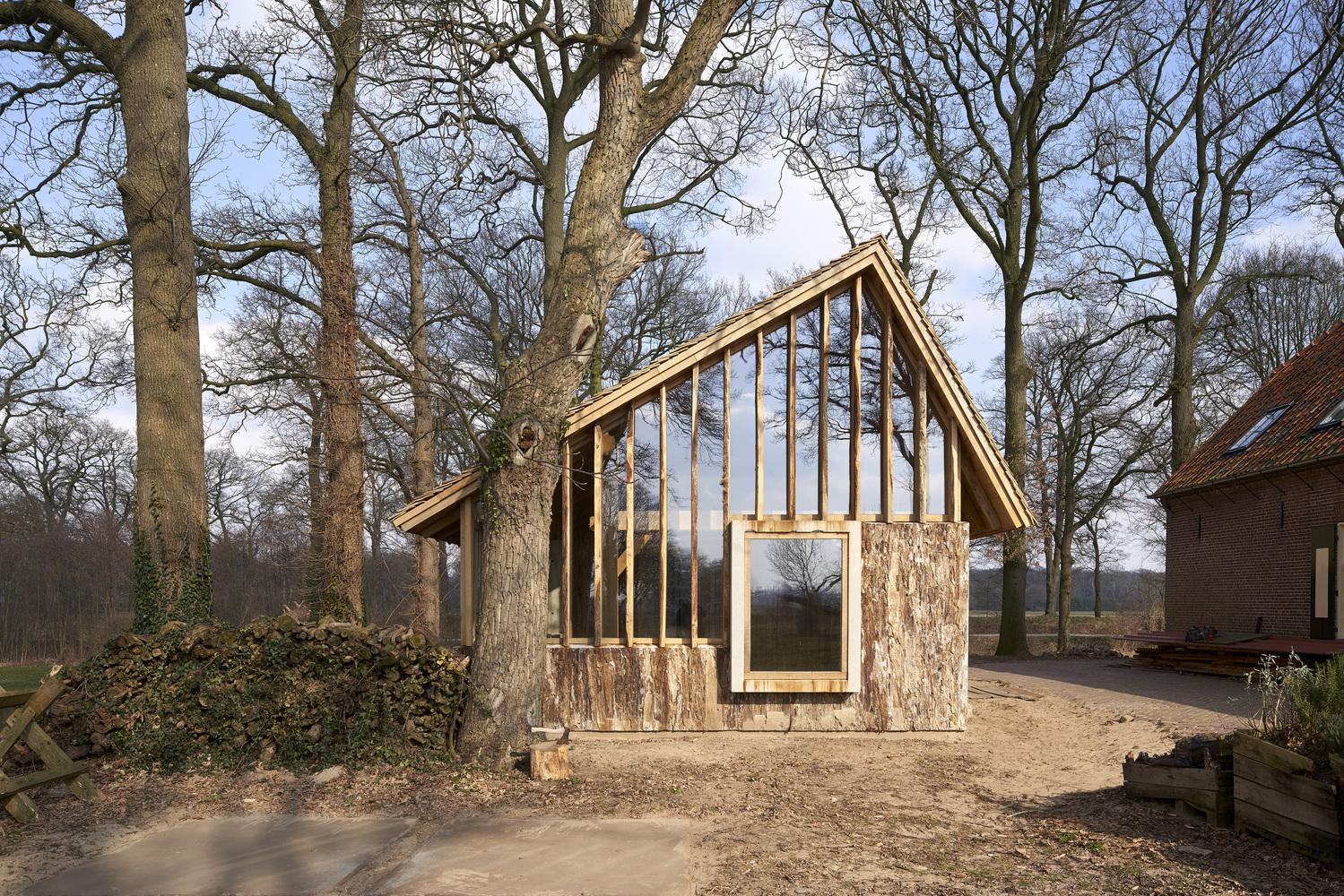 The Sixteen-Oak Barn / HilberinkBosch architects
