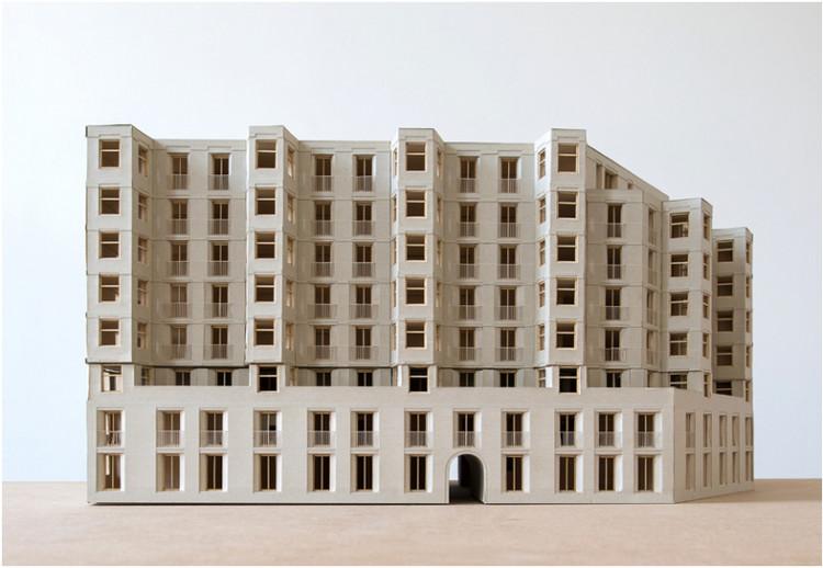 Thick brick building in Munich / Mari Brorsen, Max Panhans, Vanessa Salm from Technical University of Munich. Image via YTAA - Young Talent Architecture Award