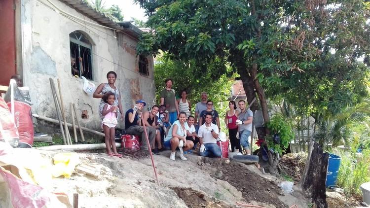 Arquiteto de Família: Plataforma de financiamento coletivo de reformas, Casa de Jayana da Cruz (esquerda) já recebeu algumas reformas com a ajuda do projeto Arquiteto de Família. Foto: ONG Soluções Urbanas