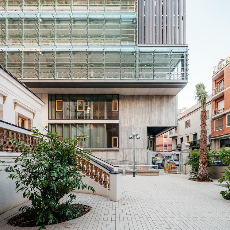 Vil·la Urània, complejo de equipamientos nZEB / SUMO Arquitectes SLP + Y.Olmo, © Aitor Estévez Olaizola
