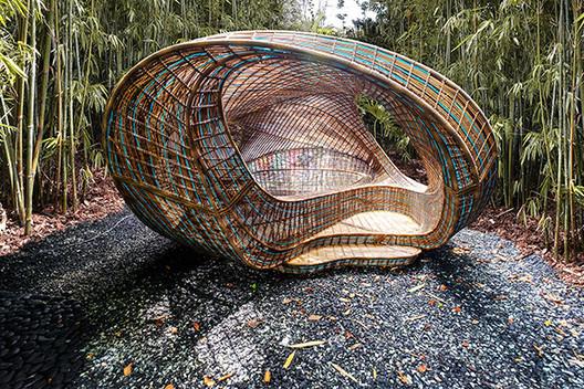 UNStudio's Ben van Berkel Weaves an Immersive Pavilion for Revolution Precrafted Series, Courtesy of UNStudio