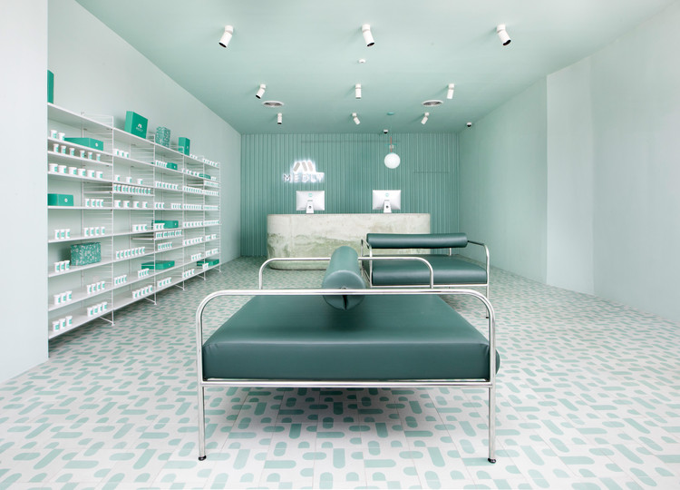 Medly Pharmacy / Sergio Mannino, © Charlie Schuck and Sergio Mannino Studio
