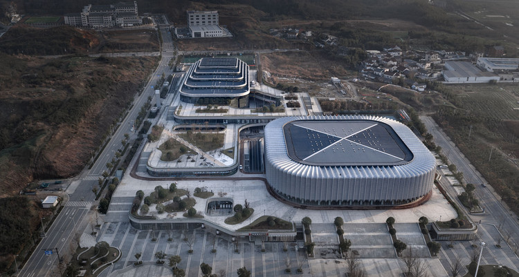 Lin'an Sports and Culture Center / Architectural Design & Research Institute of Zhejiang University, © Qiang Zhao