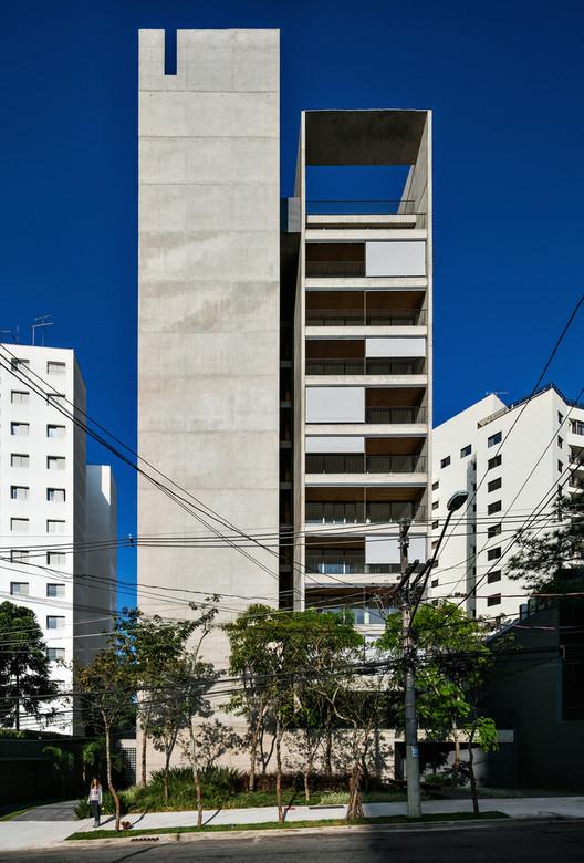 Huma Klabin Residential Building in São Paulo, Brazil / Una Arquitetos. Image © Nelson Kon