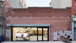 Supreme Store / Neil Logan Architect