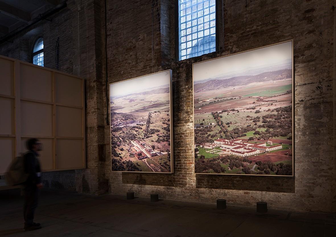 Gallery of 2018 venice biennale winners eduardo souto de for Biennale venezia 2018