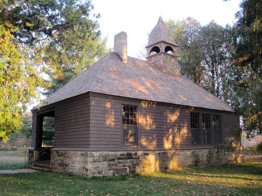 Unity Chapel, Frank Lloyd Wright. © Teemu08, via Wikipedia. License CC BY-SA 3.0