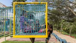 LA JUGAQUINA: parque lúdico de materiales reciclados en Ecuador
