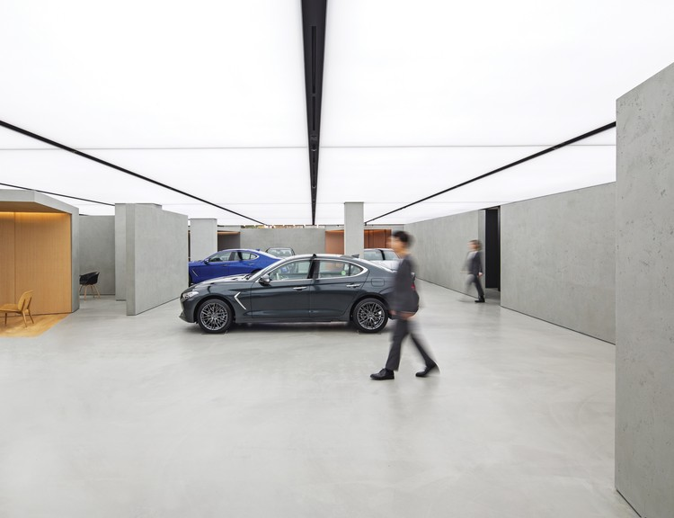 Genesis Gangnam Store / OMA, Photograph by June Young Lim, Courtesy of Hyundai