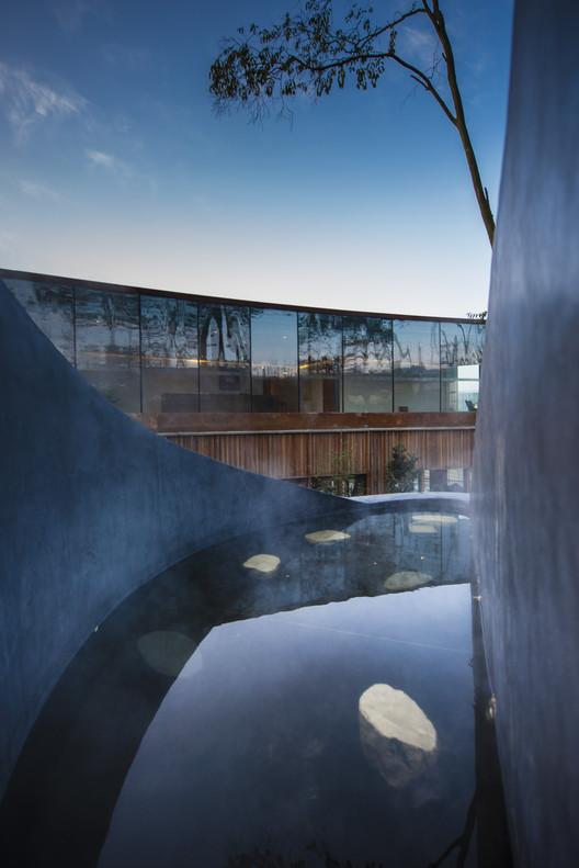 Spa Pool. Image © DIRK WEIBLEN