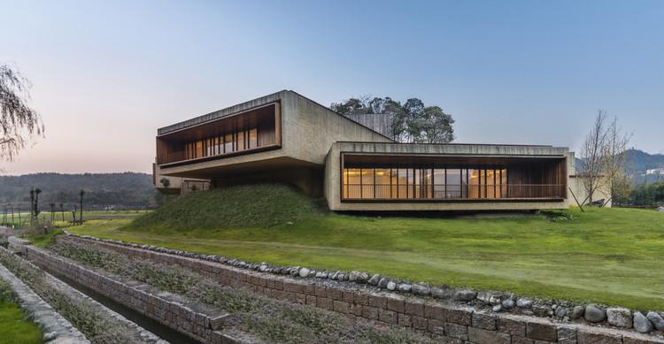 Resort de Águas Termais Fushengyu / AIM Architecture, Spa. Imagem © Dirk Weiblen
