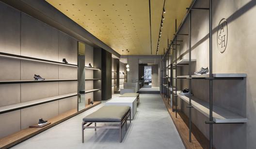 Ash London / Francesc Rifé Studio