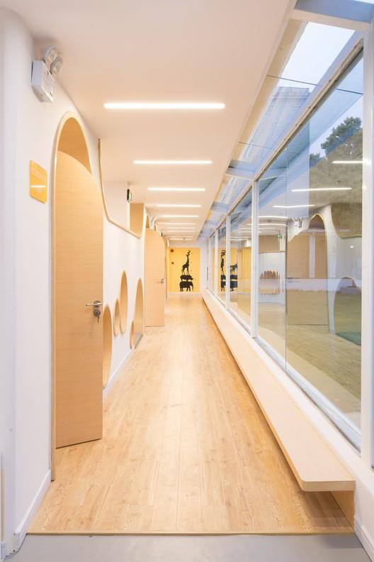 First floor corridor. Image © Pengcheng Yang