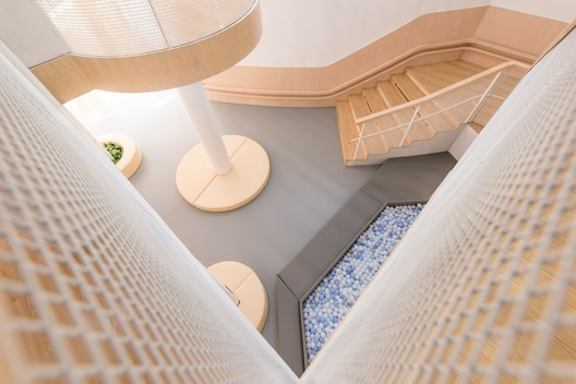 Basic geometric pattern in the hall. Image © Pengcheng Yang