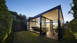 Light Box  / Damon Hills + Finnis Architects