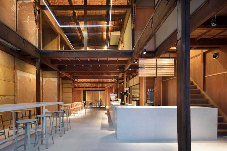 Blue Bottle Coffee Kyoto Cafe / Schemata Architects, © Takumi Ota