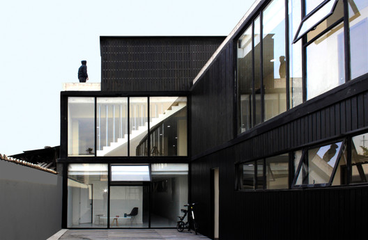 Bascuñan Building / 66 Arquitectos