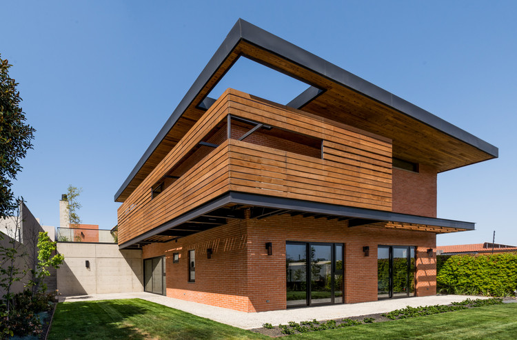 Ps house guillot arquitectos archdaily - Arquitectos aviles ...