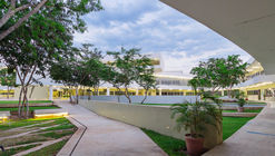 School of Education of the Autonomous University of Yucatán / Departamento de Proyectos de la Facultad de Arquitectura