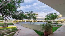 Facultad de Educación de la Universidad Autónoma de Yucatán / Departamento de Proyectos de la Facultad de Arquitectura