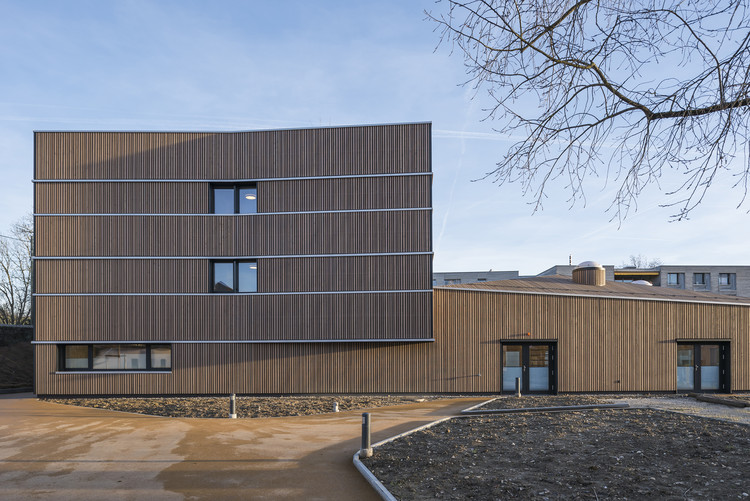 Aigues-Vertes Senior Center / 3BM3 Atelier d'Architecture SA – C. Stendardo et B. Montant, © L- Fascini