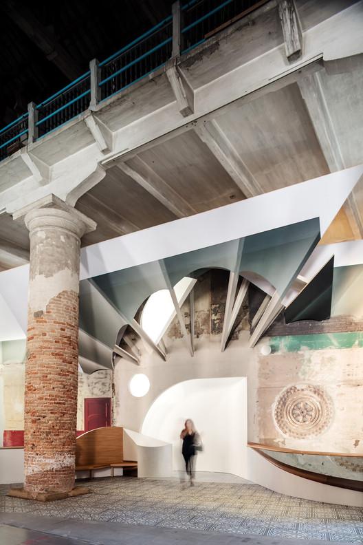 Experimentar o espaço com a luz: Flores & Prats na Bienal de Arquitetura de Veneza 2018, © Adrià Goula